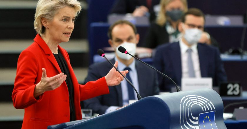 """Poland and the top leader of the EU clashed.  Deep down, the fear of """"leaving the pole"""" simmers."""