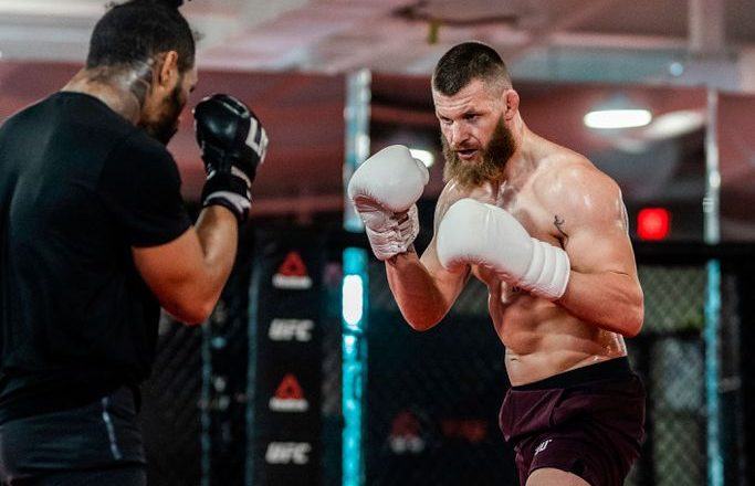 MMA-Meek back in the cage – to fight in Paris in December
